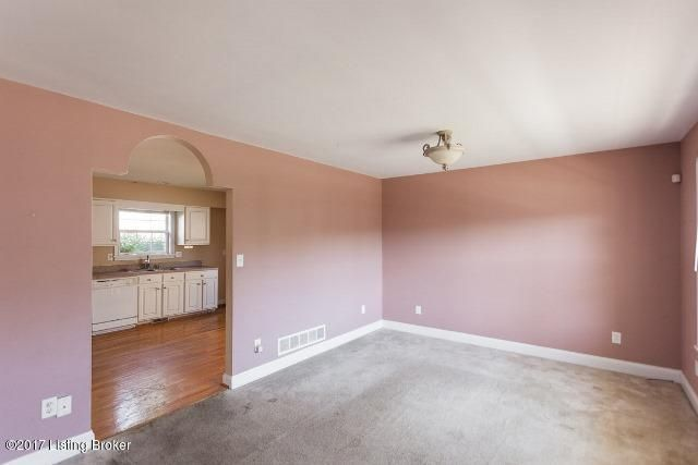 Additional photo for property listing at 5108 Silverton Lane  Louisville, Kentucky 40241 United States
