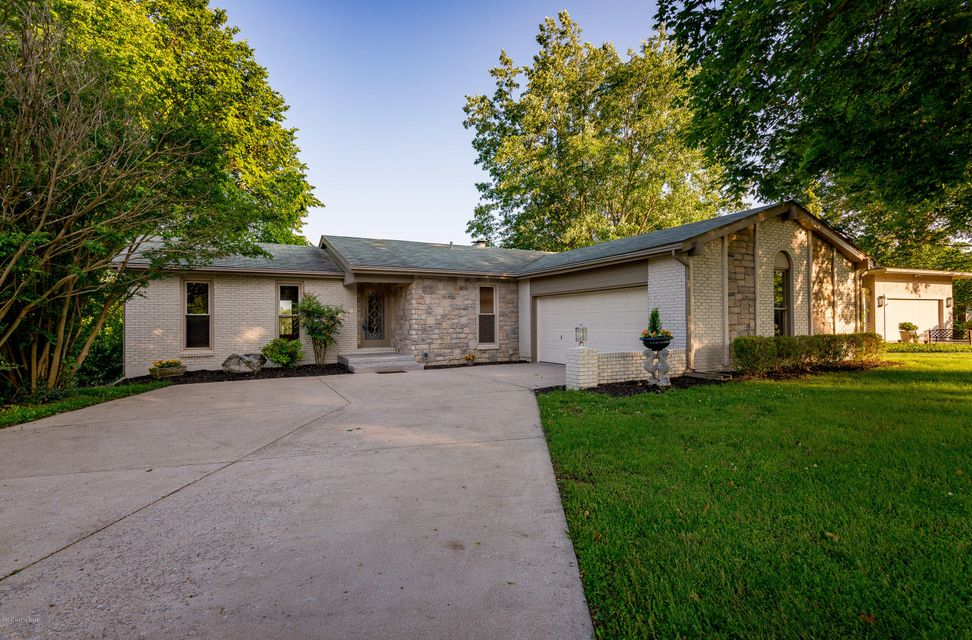 Additional photo for property listing at 6A Island View Drive 6A Island View Drive Jeffersonville, Indiana 47130 United States