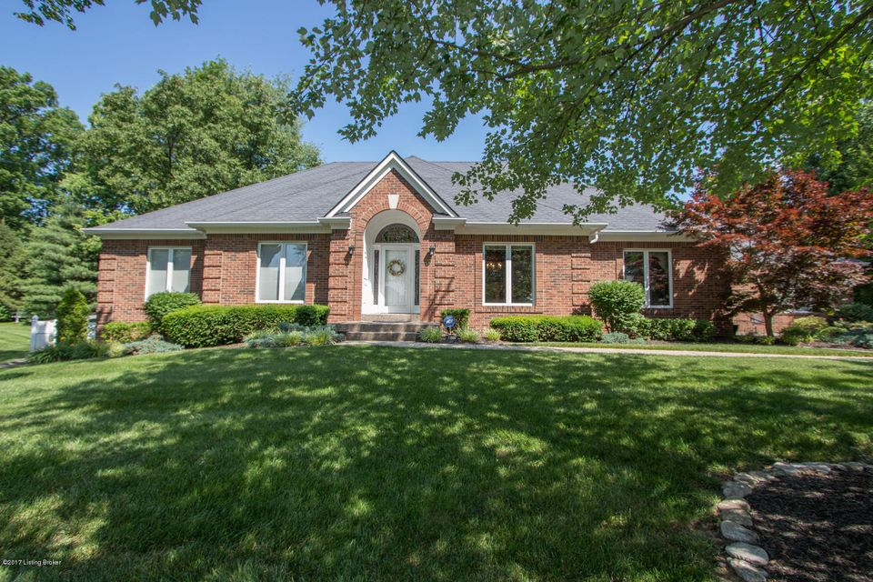 Single Family Home for Sale at 2900 Falmouth Drive Louisville, Kentucky 40205 United States