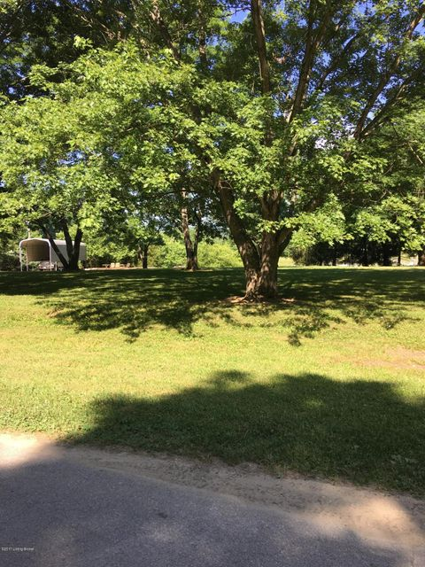 Additional photo for property listing at 3306 N Buckeye  Goshen, Kentucky 40026 United States