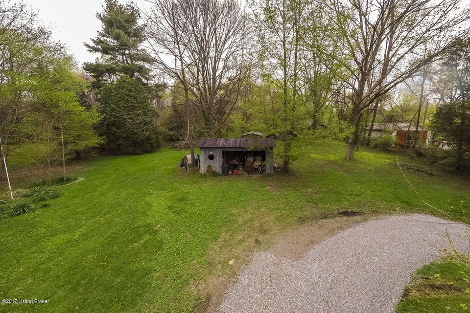 Additional photo for property listing at 907 Ormsby  Lyndon, Kentucky 40242 United States