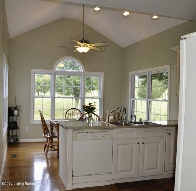 Additional photo for property listing at 1313 Stoneridge Road 1313 Stoneridge Road Lawrenceburg, Kentucky 40342 United States
