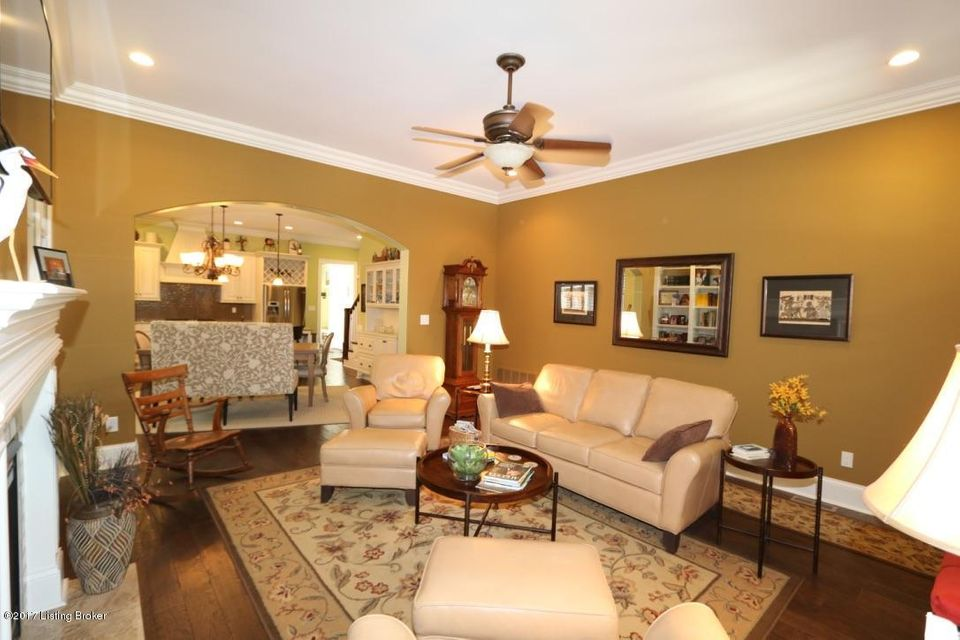 Additional photo for property listing at 9410 Hobblebush Street  Louisville, Kentucky 40059 United States