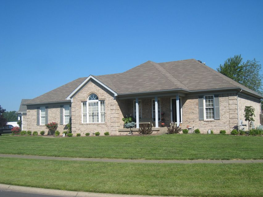Single Family Home for Sale at 10020 Evening Star Drive Louisville, Kentucky 40272 United States