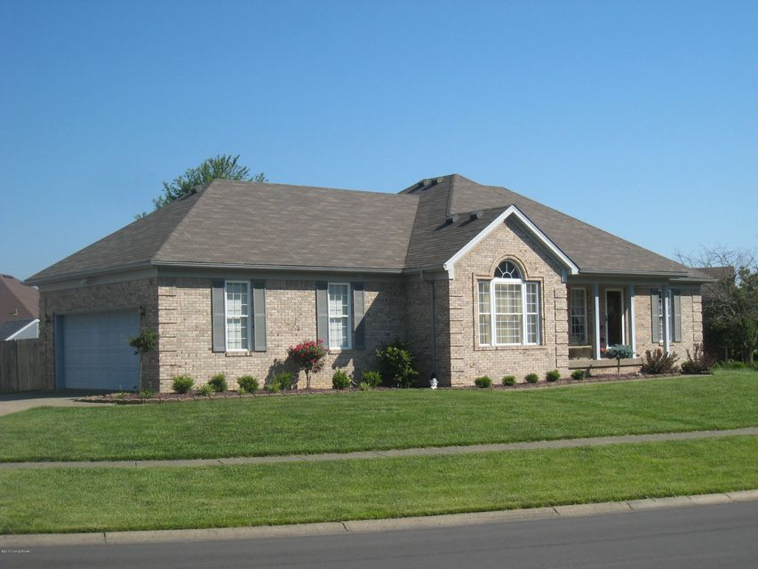 Additional photo for property listing at 10020 Evening Star Drive  Louisville, Kentucky 40272 United States