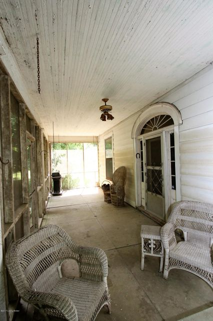 Additional photo for property listing at 110 Just A Mere Lane  Simpsonville, Kentucky 40067 United States