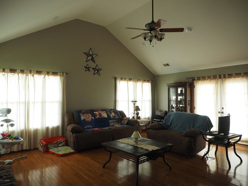 Additional photo for property listing at 3255 Murrays Run Road  Coxs Creek, Kentucky 40013 United States