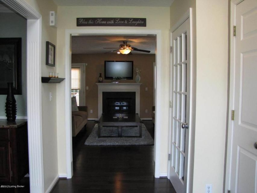 Additional photo for property listing at 10716 Alderbrook Place  Louisville, Kentucky 40299 United States
