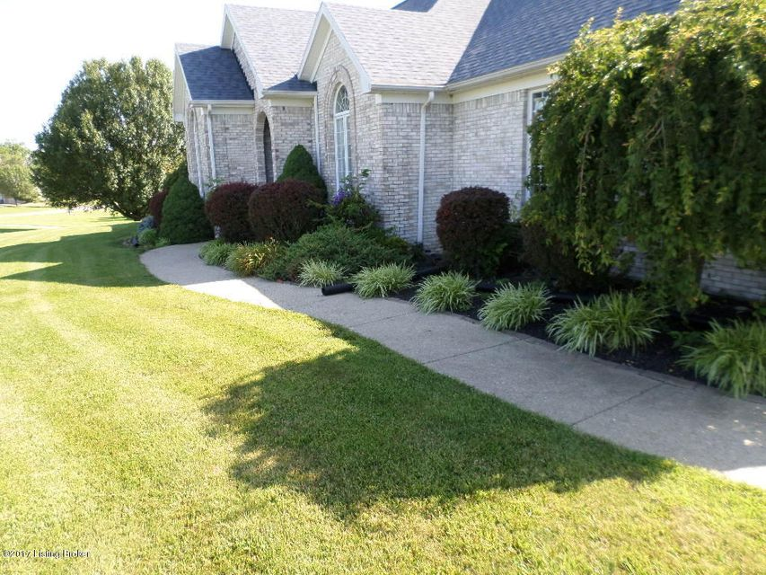 Additional photo for property listing at 1011 Riverbrooke Drive  Coxs Creek, Kentucky 40013 United States