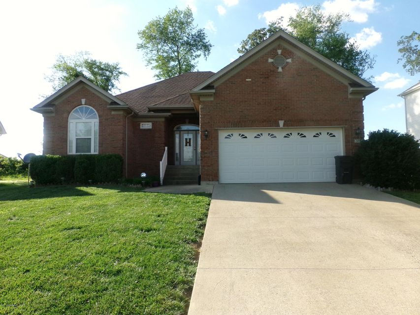 Single Family Home for Sale at 333 Vineland Place Drive Vine Grove, Kentucky 40175 United States