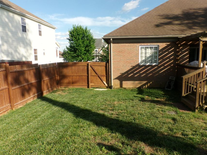 Additional photo for property listing at 333 Vineland Place Drive  Vine Grove, Kentucky 40175 United States