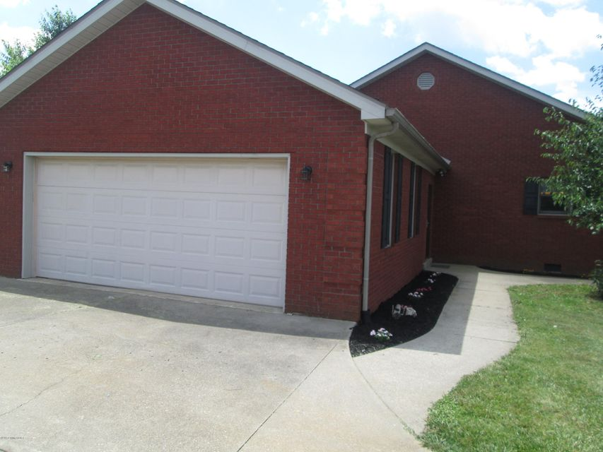 Additional photo for property listing at 1009 Polley Drive  Bardstown, Kentucky 40004 United States