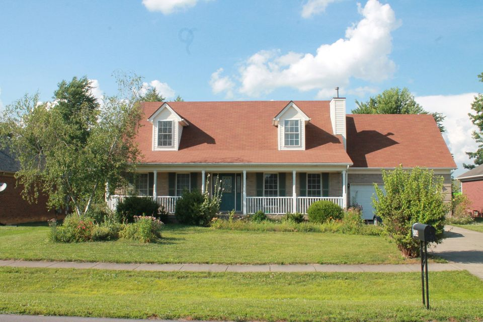 Single Family Home for Sale at 534 Shady Brook Lane Louisville, Kentucky 40229 United States