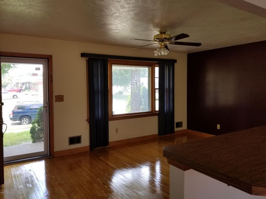 Additional photo for property listing at 3435 Fernheather Drive  Louisville, Kentucky 40216 United States
