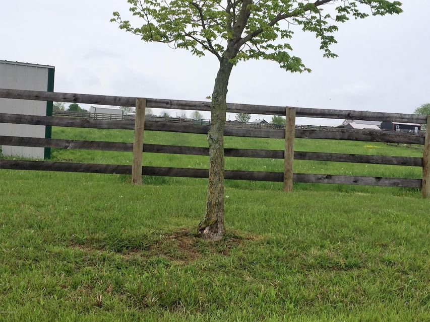 Additional photo for property listing at 2451 Liberty Lane 2451 Liberty Lane Goshen, Kentucky 40026 United States