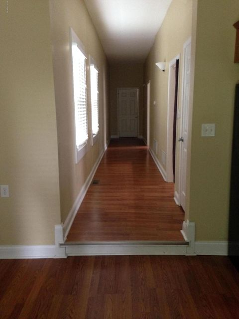 Additional photo for property listing at 949 Goss Avenue  Louisville, Kentucky 40217 United States