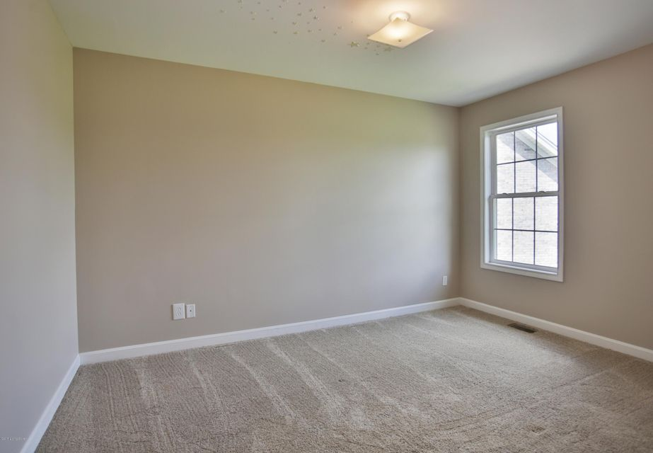Additional photo for property listing at 11012 Lavender Way  Louisville, Kentucky 40291 United States