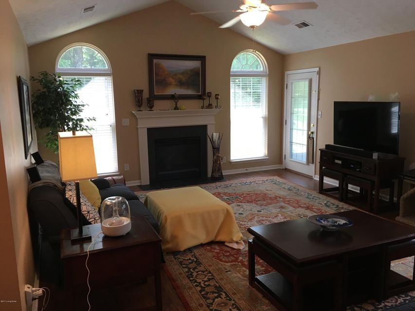 Additional photo for property listing at 10111 Vista Springs Way  Louisville, Kentucky 40291 United States
