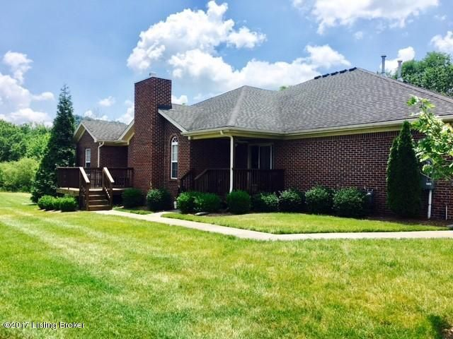 Additional photo for property listing at 5107 April Lake Court 5107 April Lake Court Louisville, Kentucky 40272 United States