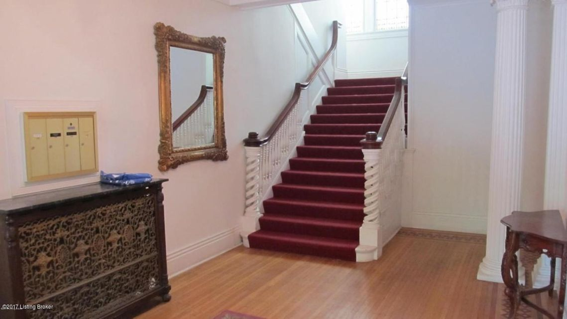 Additional photo for property listing at 2026 Cherokee Pkwy 2026 Cherokee Pkwy Louisville, Kentucky 40204 United States
