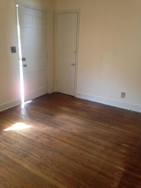 Additional photo for property listing at 872 Clarks Lane  Louisville, Kentucky 40217 United States