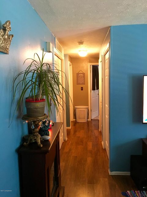 Additional photo for property listing at 8802 Bost Lane  Louisville, Kentucky 40219 United States