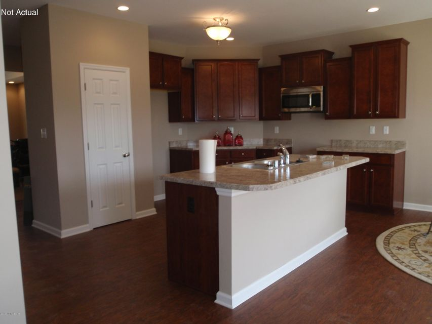 Additional photo for property listing at 2203 TATTON Drive 2203 TATTON Drive Louisville, Kentucky 40245 United States
