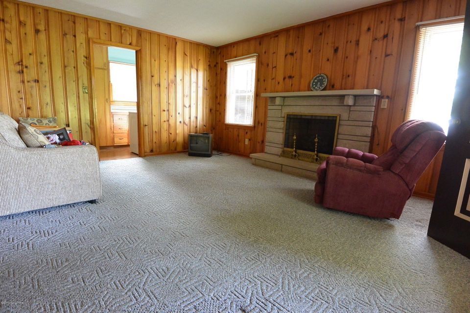Additional photo for property listing at 8728 Loretto Road  Loretto, Kentucky 40037 United States