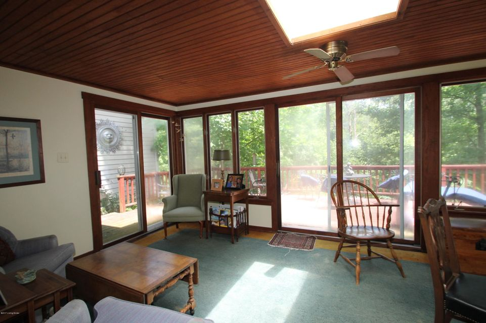 Additional photo for property listing at 8517 Wolf Pen Branch Road  Louisville, Kentucky 40059 United States