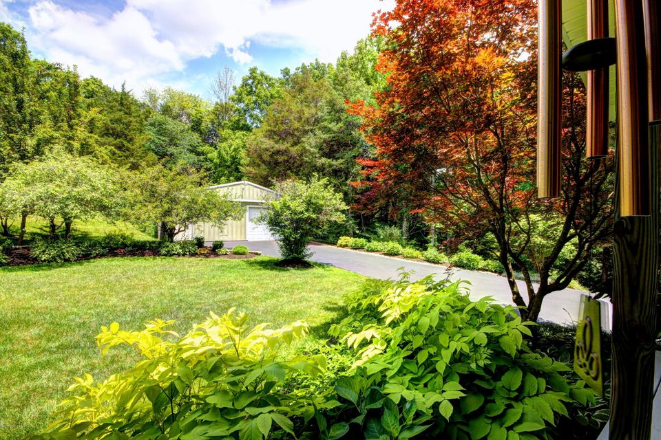 Additional photo for property listing at 11551 WATERFORD Road  Louisville, Kentucky 40291 United States