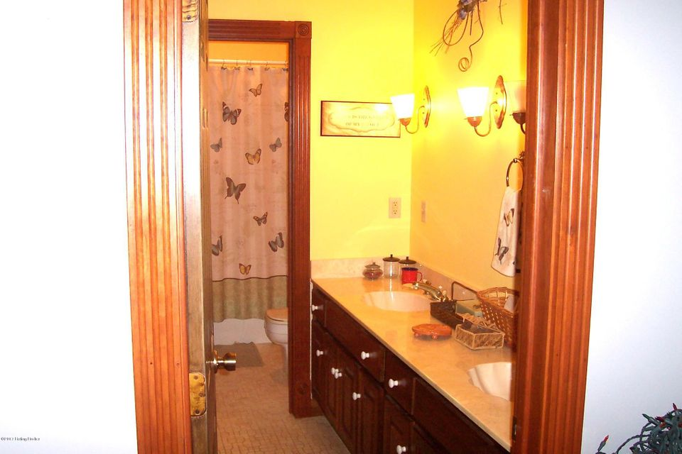 Additional photo for property listing at 17719 Leitchfield Road  Big Clifty, Kentucky 42712 United States