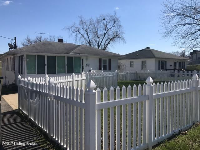 Additional photo for property listing at 911 High Street  Brandenburg, Kentucky 40108 United States