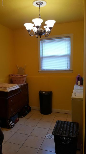 Additional photo for property listing at 8318 Seaforth Drive  Louisville, Kentucky 40258 United States