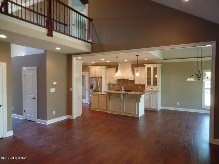 Additional photo for property listing at 7523 Beechspring Farm Blvd  Louisville, Kentucky 40241 United States