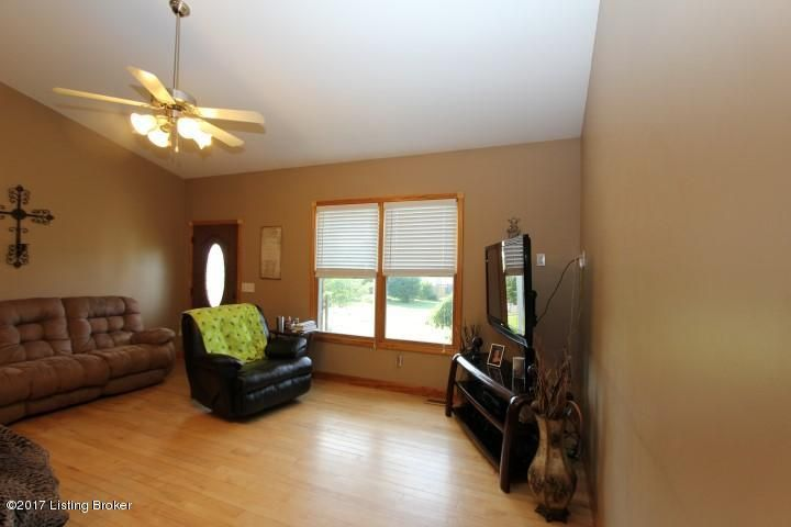Additional photo for property listing at 205 Walker Lane  Lawrenceburg, Kentucky 40342 United States