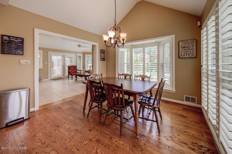 Additional photo for property listing at 8706 Storrington Court  Louisville, Kentucky 40222 United States