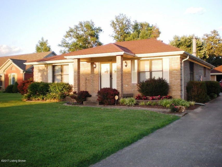 Single Family Home for Sale at 12309 Springmeadow Drive 12309 Springmeadow Drive Louisville, Kentucky 40229 United States