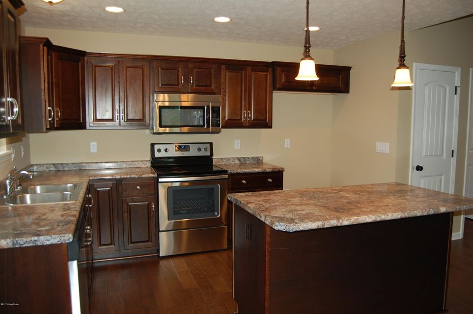 Additional photo for property listing at 588 Hill Terrace  Mount Washington, Kentucky 40047 United States