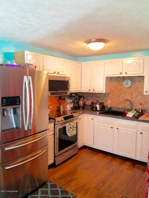 Additional photo for property listing at 8802 Bost Lane 8802 Bost Lane Louisville, Kentucky 40219 United States