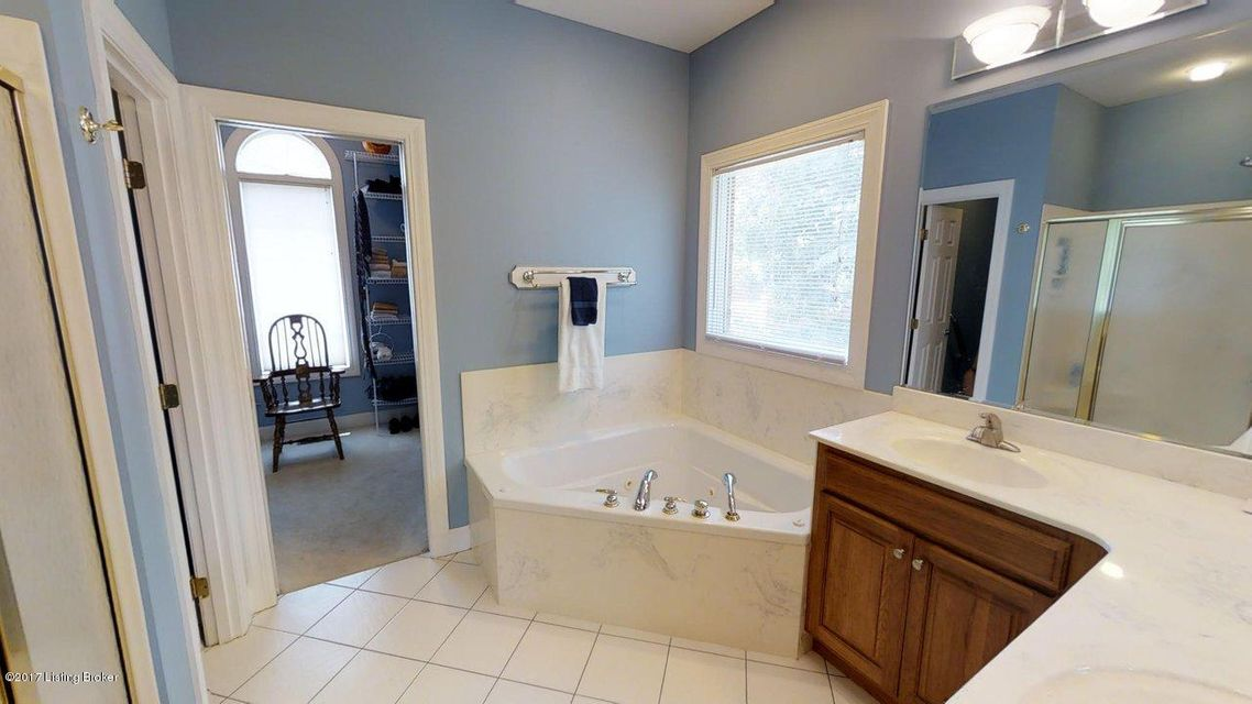 Additional photo for property listing at 3605 Huntridge Place  Louisville, Kentucky 40245 United States