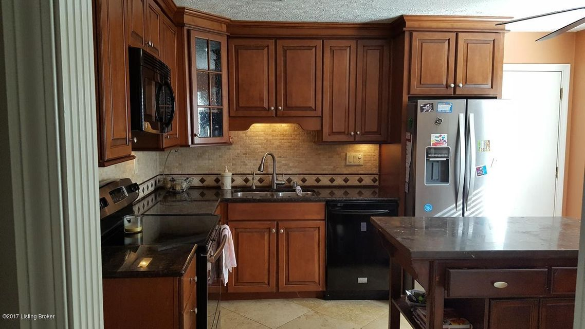 Additional photo for property listing at 4810 Nottinghamshire Drive  Louisville, Kentucky 40299 United States