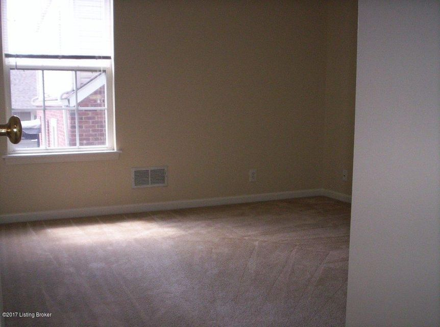 Additional photo for property listing at 4048.5 Richland Avenue  Louisville, Kentucky 40207 United States