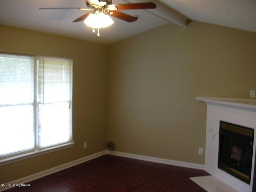 Additional photo for property listing at 6515 Rod N Reel Court  Louisville, Kentucky 40229 United States