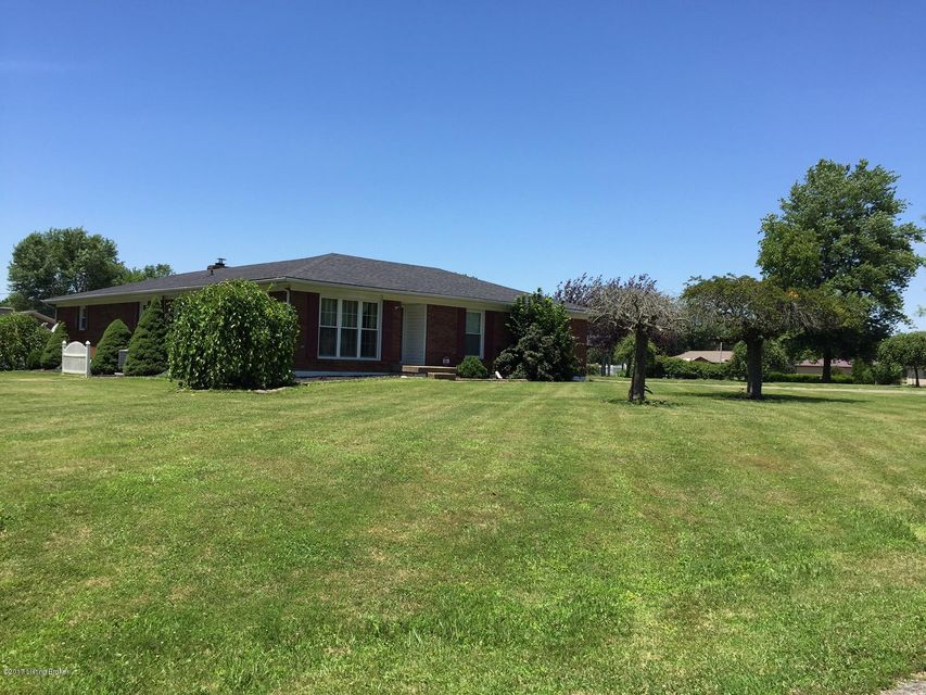 Single Family Home for Sale at 111 Doris Drive Brooks, Kentucky 40109 United States