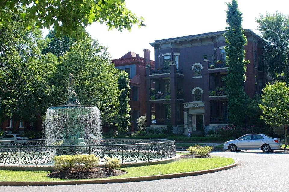 Condominium for Sale at 1433 Saint James Court Louisville, Kentucky 40208 United States