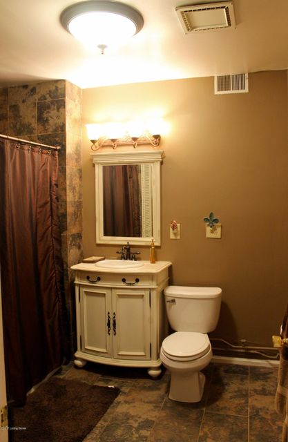 Additional photo for property listing at 1433 Saint James Court  Louisville, Kentucky 40208 United States