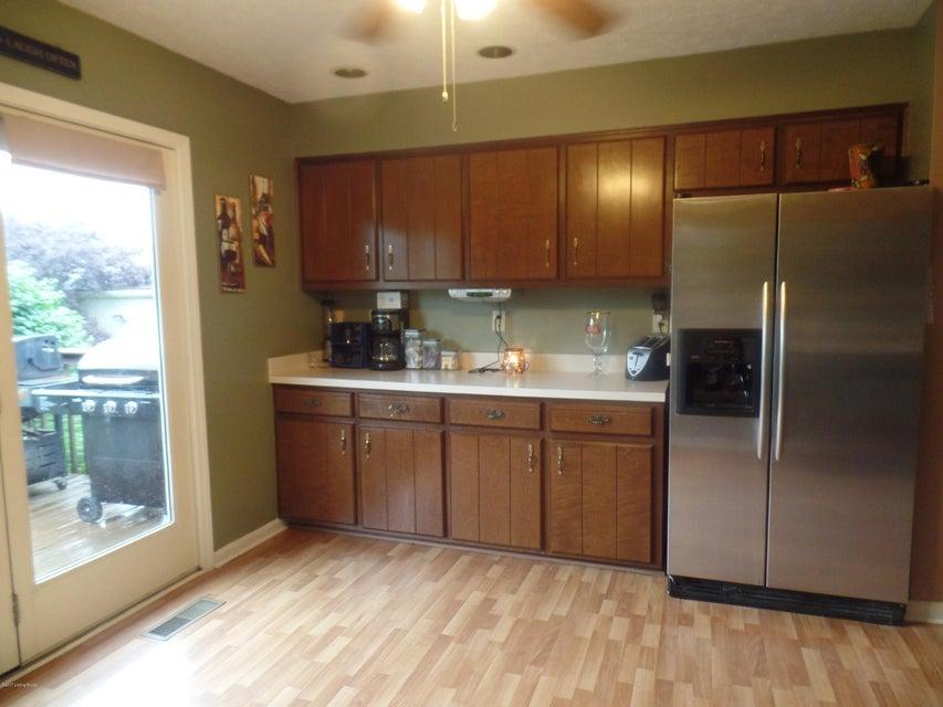 Additional photo for property listing at 139 E Emerald Circle  Mount Washington, Kentucky 40047 United States
