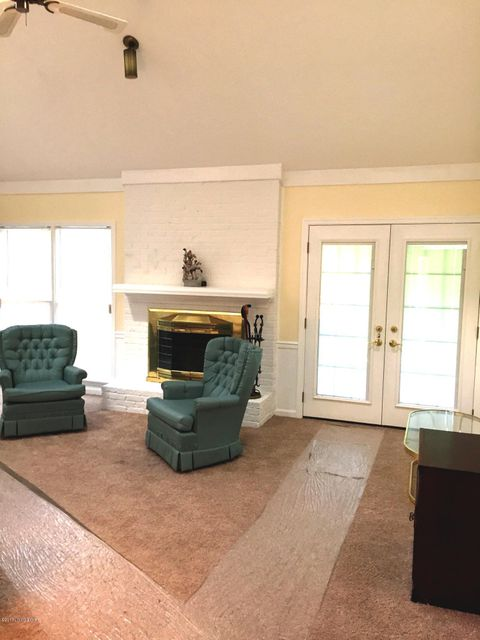 Additional photo for property listing at 11106 Brookstone Court  Louisville, Kentucky 40223 United States