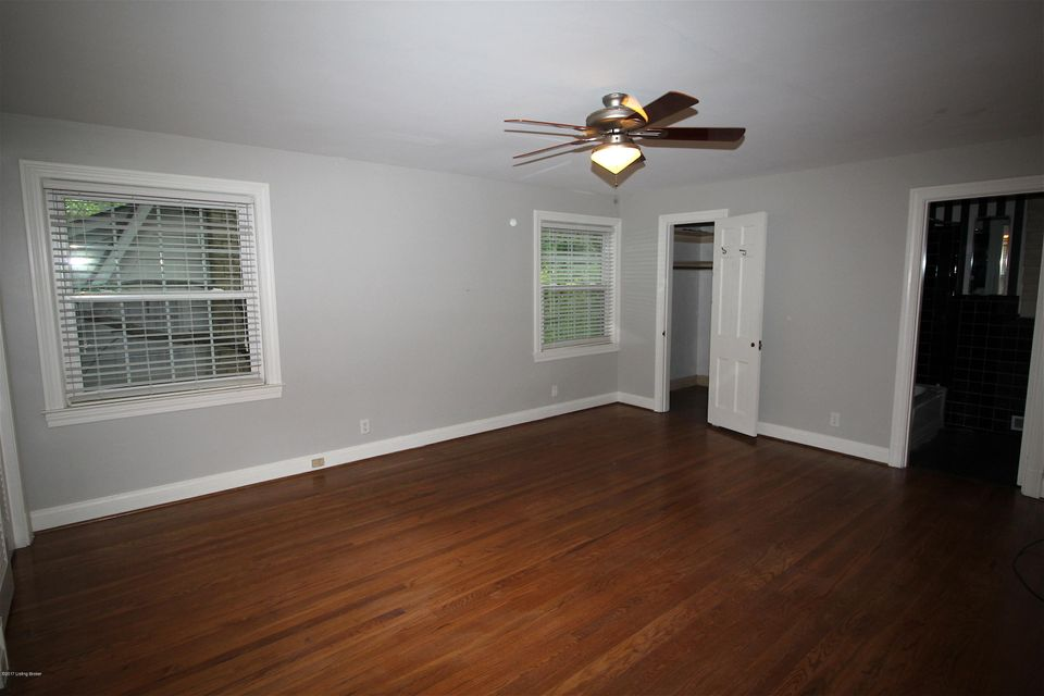 Additional photo for property listing at 2222 Valley Vista Road  Louisville, Kentucky 40205 United States