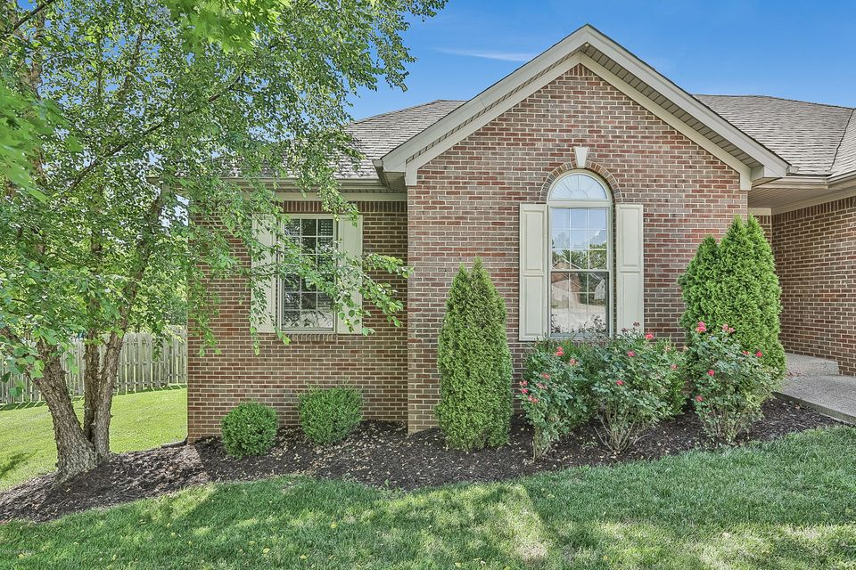 Additional photo for property listing at 117 North Country Drive  Shelbyville, Kentucky 40065 United States